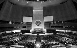 파일:1280px-UN_General_Assembly_hall.jpg