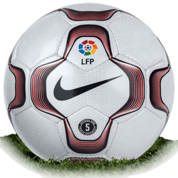 파일:2002-04_La_Liga_Match_Ball.png