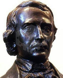 파일:Edgar Allan Poe Bust Photo.jpg