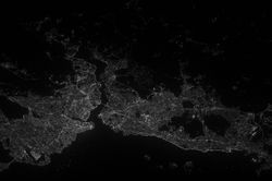 파일:panorama_earth_istanbul_turkey_night_lights_city_landscape-816508.jpg