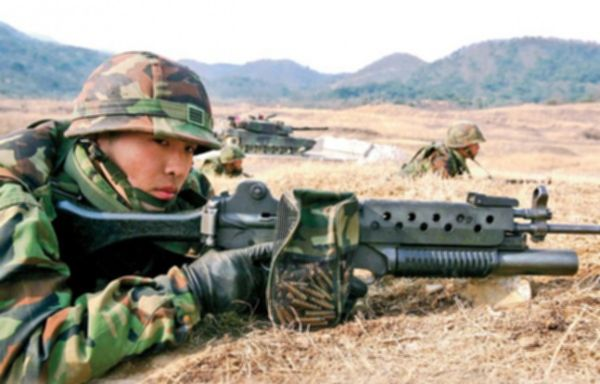 파일:external/files.harrispublications.com/12-Rifles-Machine-Guns-Shotguns-Pistols-Used-by-ROK-Marines-_-Photos-7-600x384.1421392125.jpg
