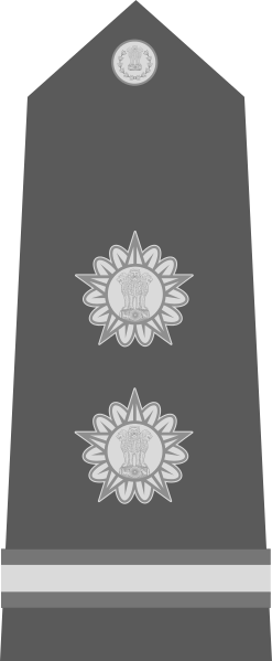 파일:external/upload.wikimedia.org/247px-Subedar_-_Risaldar_of_the_Indian_Army.svg.png