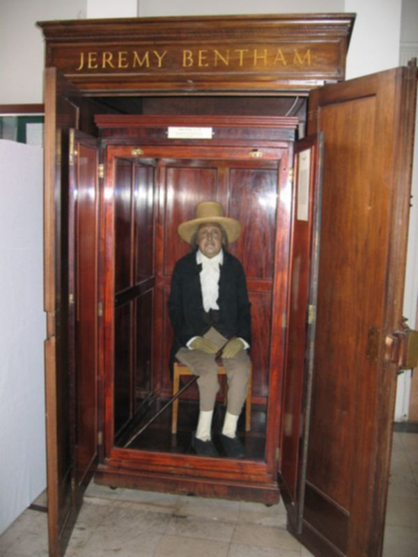 파일:external/upload.wikimedia.org/Jeremy_Bentham_Auto-Icon.jpg