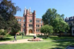 파일:external/upload.wikimedia.org/Case_western_reserve_campus_2005.jpg