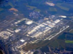 파일:external/upload.wikimedia.org/Aerial_view_of_Paris-Charles_de_Gaulle_airport.jpg