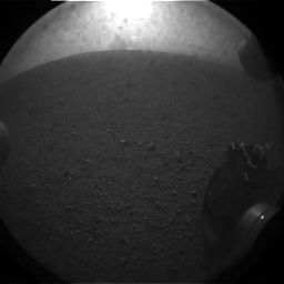 파일:external/upload.wikimedia.org/First_picture_sent_by_the_Mars_Curiosity_rover.jpg