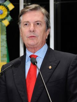 파일:external/upload.wikimedia.org/Fernando_Collor_2014.jpg