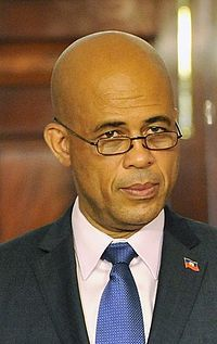 파일:external/upload.wikimedia.org/200px-Michel_Martelly_on_April_20%2C_2011.jpg
