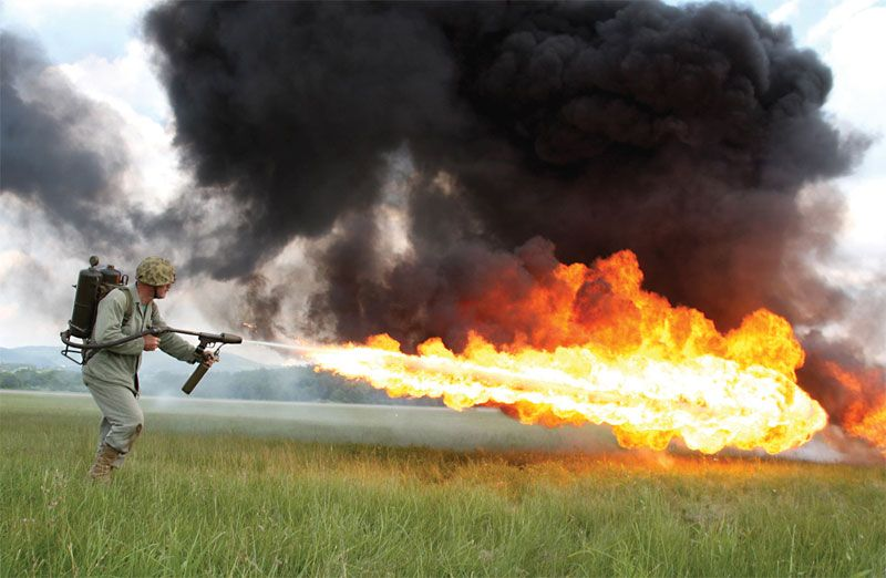 파일:external/www.militaryfactory.com/m2-flamethrower_2.jpg