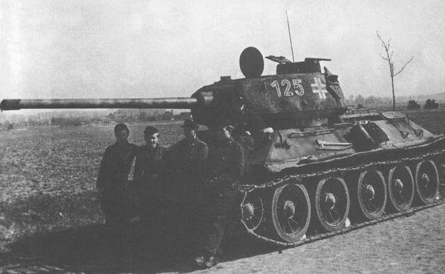파일:external/www.tanks-encyclopedia.com/T34_85_Beutepanzer.jpg
