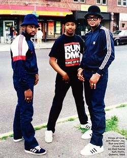 파일:external/ballislife.com/run-dmc-wearing-adidas.jpg