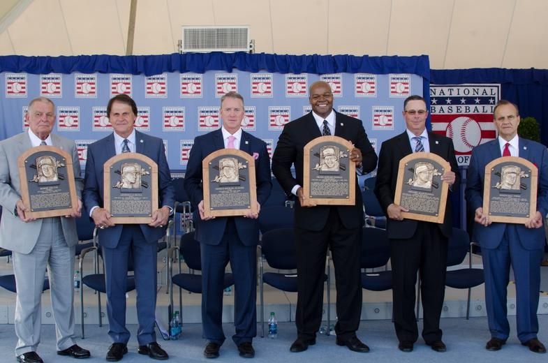 파일:external/baseballhall.org/2014%20inductees%20stage.jpg