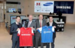 파일:external/www.thedrum.com/1%20%20Samsung%20announce%20sponsorship%20of%20Leyton%20Orient%20Football%20Club.jpg