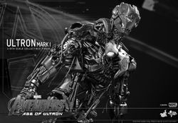파일:external/www.flickeringmyth.com/Hot-Toys-Avengers-Age-of-Ultron-Ultron-Mark-I-Collectible-Figure_PR6.jpg