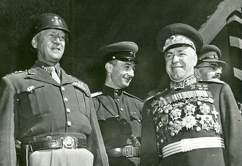 파일:external/nobility.org/19-patton-zhukov-berlin.jpg