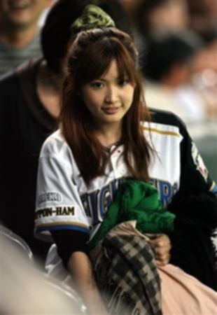 파일:external/fandaily.info/saeko-dokyu-darvish-yu-darvish-wife-photo.jpg