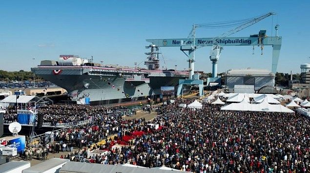 파일:external/c.gcaptain.com/cvn78_christening_crowd-635x354.jpg