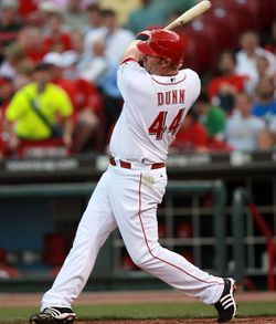 파일:external/www.mycubstoday.com/chicago-cubs-adam-dunn-washington-nationals-2.jpg