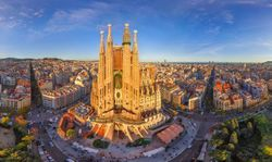파일:external/www.connect-123.com/90-La-Sagrada-Familia-Barcelona.jpg