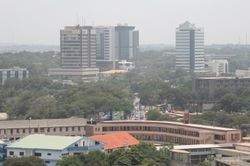 파일:external/yes-to-business.com/Accra-Ghana-Skyline-skyscrapercity.jpg