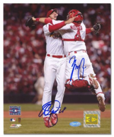파일:external/www.sportsblink.com/adam-wainwright-yadier-molina-louis-cardinals-world-series-celebration-dual-autographed-photograph-3392652.jpg