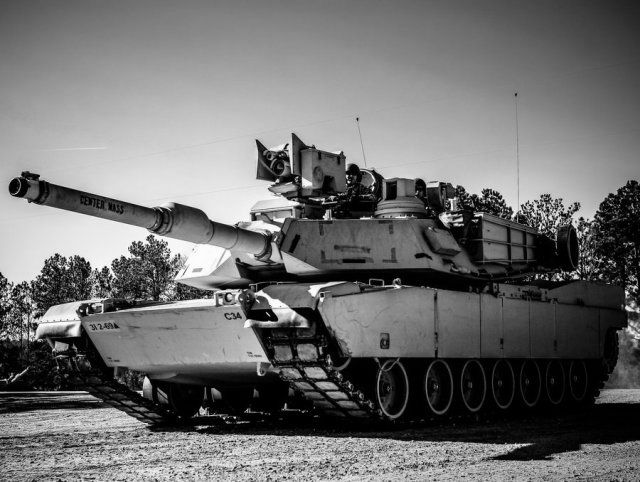 파일:external/www.armyrecognition.com/General_Dynamics_wins_a_50_mn_contract_to_upgrade_Abrams_tanks_to_M1A2_SEP_V2_configuration_640_001.jpg