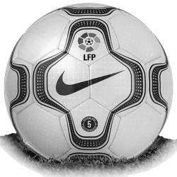 파일:2001-02_La_Liga_Match_Ball.png