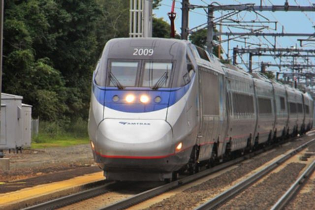 파일:640px-Acela_old_saybrook_ct_summer2011.jpg