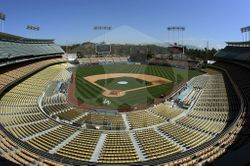 파일:General view of Dodger Stadium.jpg