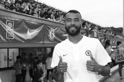 파일:Ashley_Cole_coach.jpg