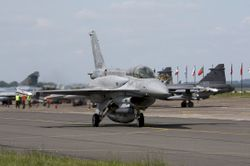 파일:attachment/f_16_poland_airforce_01_by_rikkubeauty-d3g892u.jpg