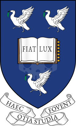 파일:1200px-Arms_of_the_University_of_Liverpool.svg.png