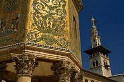 파일:640px-The_Great_Umayyed_Mosque_of_Damascus,_Syria,_and_Khazne_(Treasury).jpg