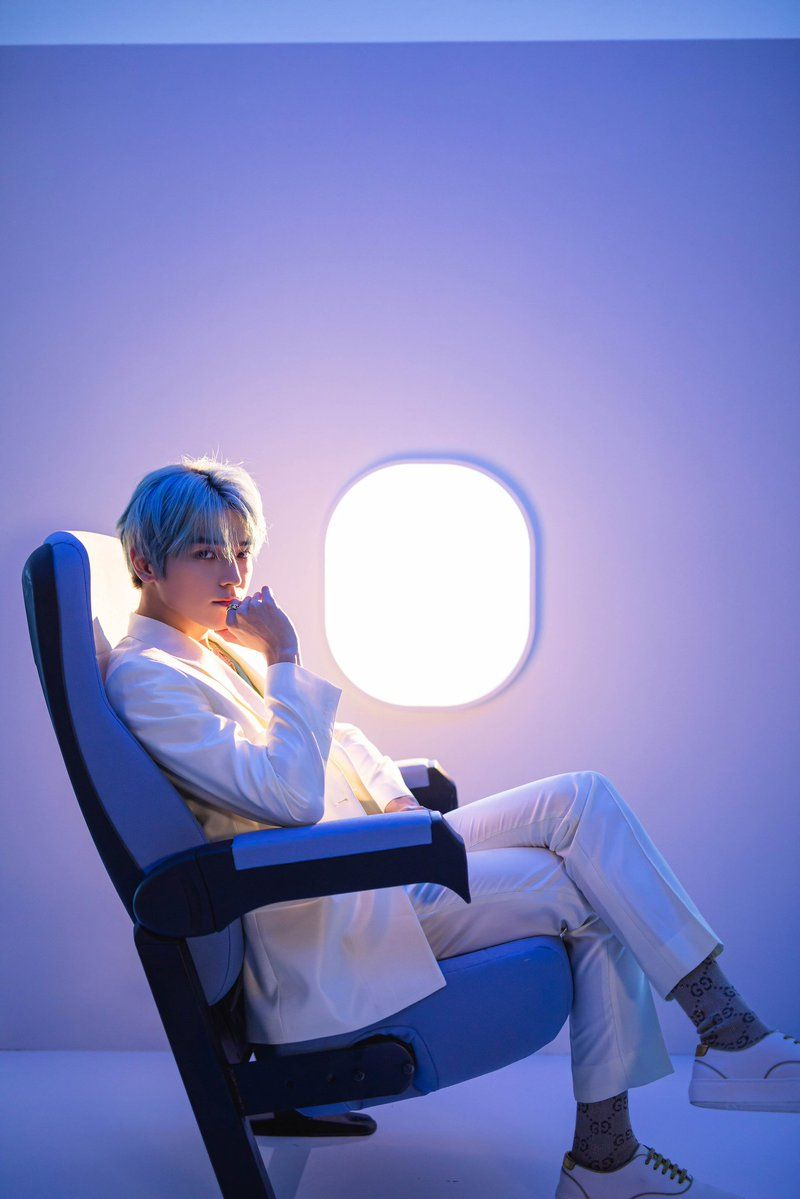 파일:taeyong long flight.jpg